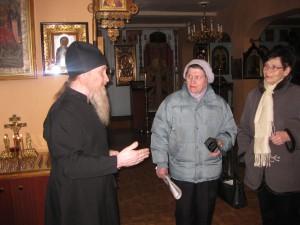 Краеведы беседуют отцом Сергием